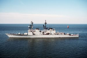 USS Comte De Grasse (DD-974) entering port at the Naval Air Station, Norfolk, Virginia