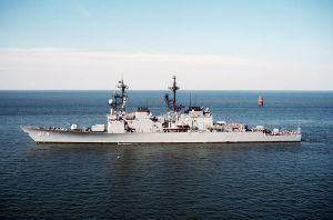 USS Comte De Grasse (DD-974) entering port at the Naval Air Station, Norfolk, Virginia