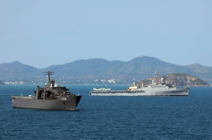 Gulf of Thailand (Feb. 20, 2011) –  The amphibious transport dock ship USS Denver passes along side an Endurance Class Singapore Navy ship Resolution (LPDM 208) during Cobra Gold 2011. Denver is part of the forward-deployed Essex Amphibious Ready Group and is underway participating in Cobra Gold, a multinational military exercises co-sponsored by U.S. and Thailand, designed to ensure regional peace and stability. (U.S. Navy photo by Mass Communication Specialist 1st Class Geronimo C. Aquino /Released)