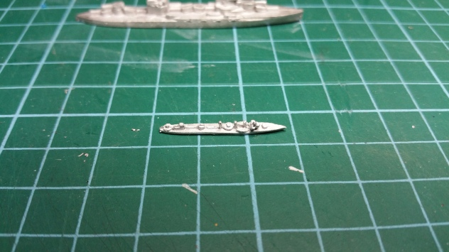 A single destroyer - will fit nicely onto a 1cm x 3cm base