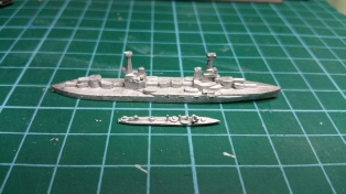 A destroyer next to the Agamemnon - it's all a matter of scale. The battleships will likely go on bases 2cm wide by about 8cm long