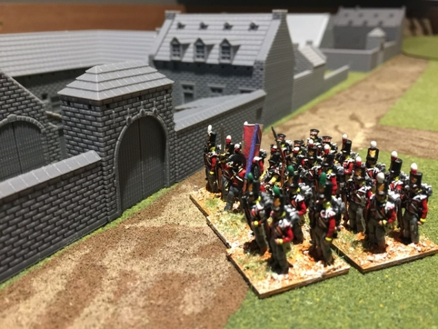 15mm Figures stand ready by the gate